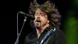 VIDEO: Foo Fighters a tras un excelent mash-up live John Lennon/Van Halen