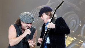 """Cu ocazia Record Store Day, AC/DC re-editează """"Back In Black"""" pe casetă"""