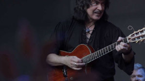 "AUDIO: Rainbow-ul lui Ritchie Blackmore are un nou single, ""Waiting For A Sign"""