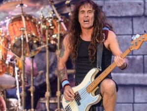 Cu 42 ani în urmă Steve Harris forma Iron Maiden în ziua de Crăciun