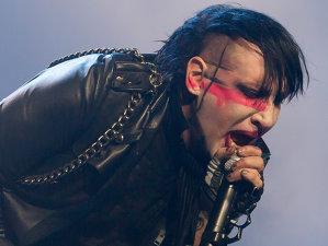 Bizareriile sexuale şi poveşti din viaţa lui Marilyn Manson