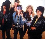Începuturile Guns N'Roses, un succes imprevizibil, presărat cu haos şi droguri