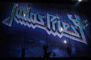 Heavy-metal-ul viitor de aur are: vezi cum trei puşti cântă Judas Priest în maşină