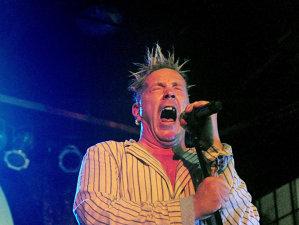 Vocalistul Sex Pistols, John Lydon, îl gratulează pe Trump, numindu-l