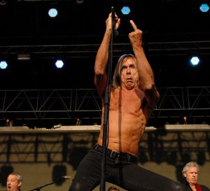 10 motive pentru care Iggy Pop chiar este The Godfather of Punk