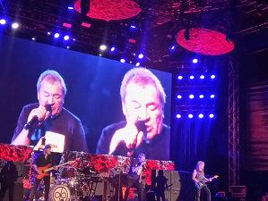 CRONICĂ DE CONCERT: Deep Purple la Bucureşti -  o cântare confecţionată din bucurie pură