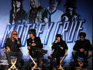 """""""Girls, Girls, Girls"""" Mötley Crüe - povestea """"dementă"""" a unui album care era să îngroape trupa sub un maldăr de stupediante"""