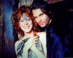 Legenda spune că vocalistul Jim Morrison a înregistrat o piesă bucurându-se de un sex oral