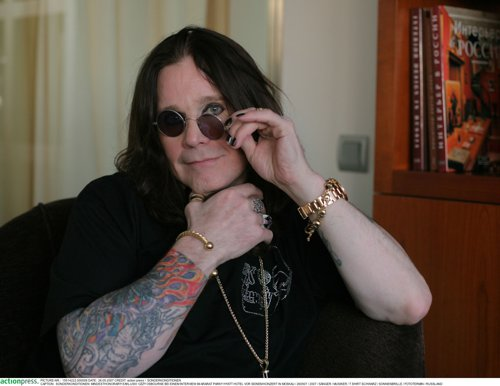 Un grup de cercetători în genetică explică de ce Ozzy Osbourne este încă în viaţă după 40 ani de abuzuri sexuale, droguri şi alcool