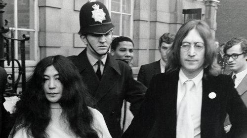 John Lennon a contestat într-o scrisoare deschisă implicarea lui Yoko Ono în divorţul său de prima soţie