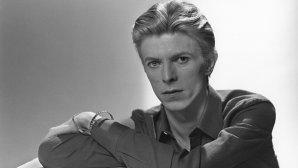 "Serial David Bowie - albumul ""Heroes"" - episodul 08: Originea titlului piesei ""Heroes"""