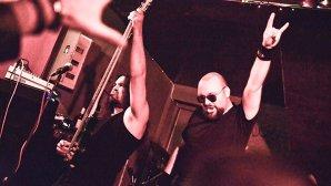 INTERVIURILE ROCK ON: Vocalistul trupelor 9.7 Richter şi SnakeyeS ne-a povestit cum a fost să cânte în deschidere la Judas Priest