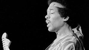 Cum a dat-o Jimi Hendrix de gard la primul concert din viaţa lui