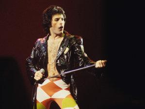 Cum arăta vocalistul Queen, Freddie Mercury, în primele înregistrări video ale sale din 1964