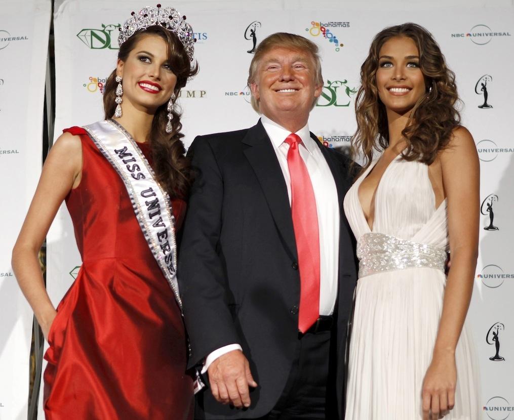 Donald Trump, prins la Moscova, în compania unor prostituate