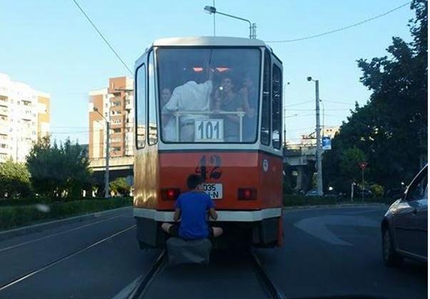 Un hecăr român a falsificat cardul RATB şi a mers gratis. Io am acest soft de hecăr, care nu mai plătesc bilet la trolibuz dintotdeauna