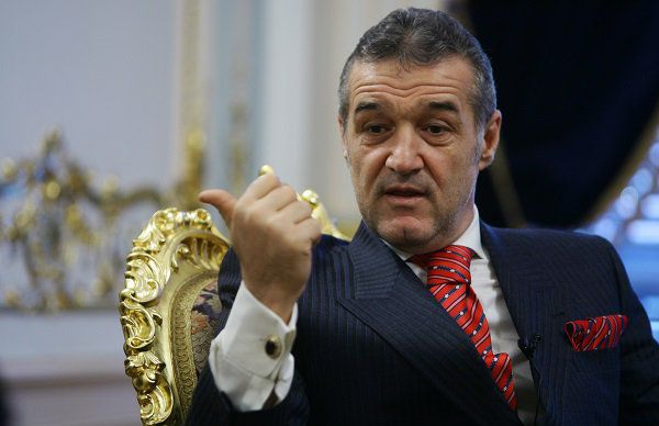 Becali a TRANSFERAT la Bucureşti o bombă sexy