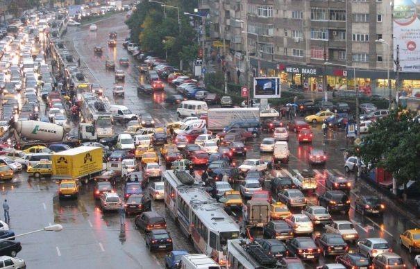 """Gabi Firea: """"Punem o taxă mare pe ploaie. Mai ales pe cea din centrul Bucureştiului şi la orele de vârf. Scăpăm de traficul aglomerat."""""""