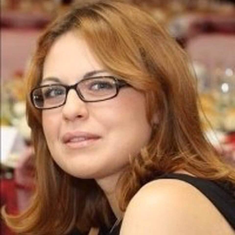 """""""Ea e procuroarea care l-a executat azi pe Dragnea. 5 capete de acuzare: doua de abuz, doua de frauda cu fonduri europene şi una de grup infracţional organizat. Prejudiciu: 21 de milioane de euro"""""""