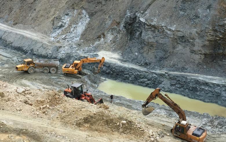 Britanicii vor extrage 30 de tone de aur si argint pe luna dintr-o mina din Suceava! Uite asa pierde Romania toate bogatiile!