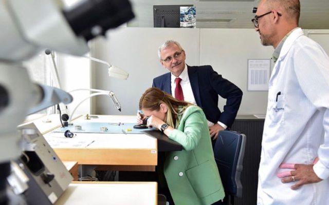 Iubita lui Dragnea a postat pe Instagram poze în care apare alături de liderul PSD la o fabrică de ceasuri din Elveţia