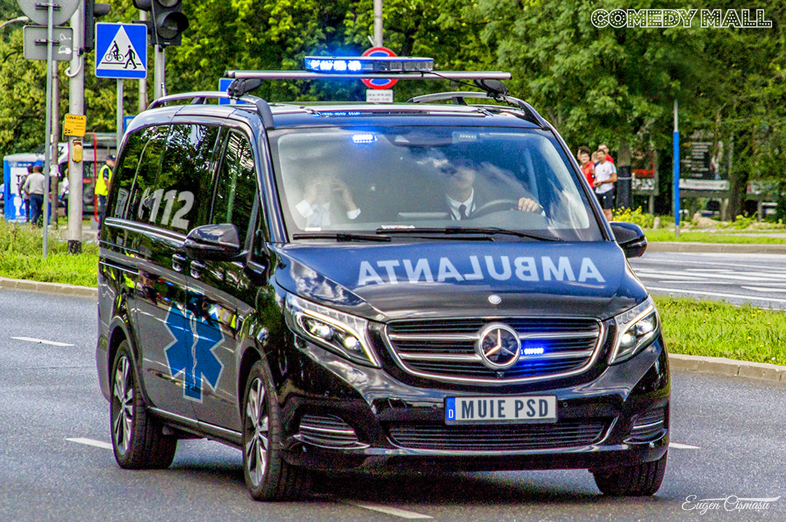 B.O.R are o ambulanţă neagră care ia de la toţi enoriaşii dar dă tot la PSD