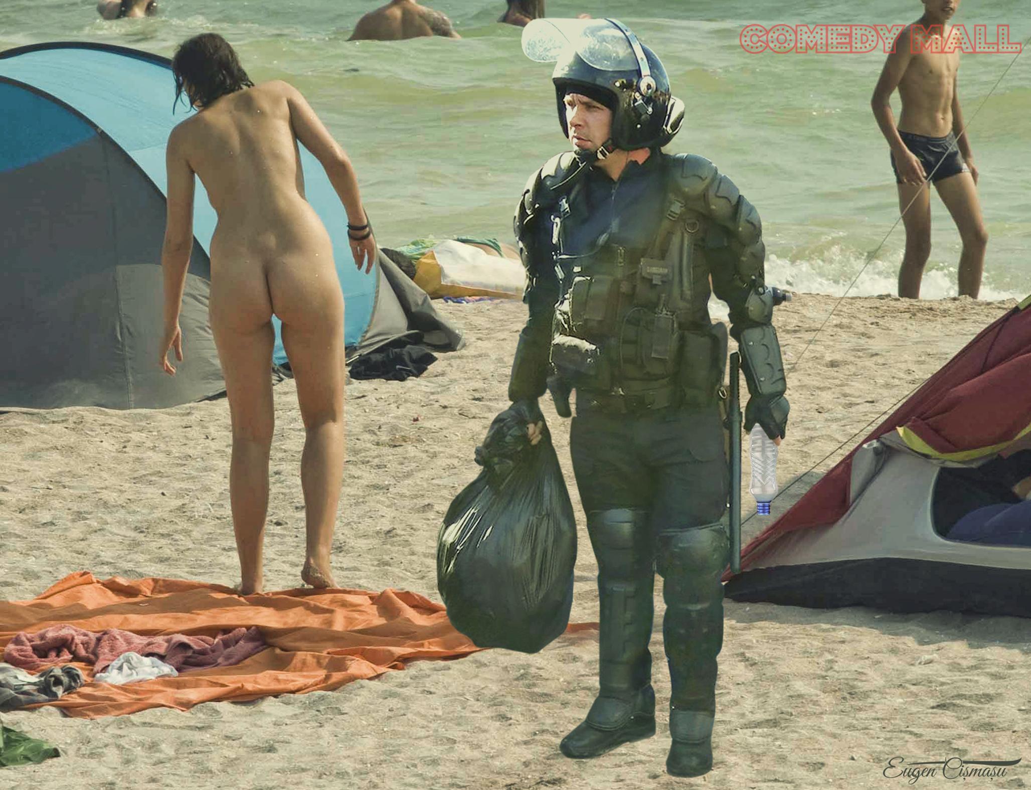 Azi ne bronzăm cu mâinile la spate! Jandarmii se luptă cu gunoaiele pe plaja din Vama Veche!