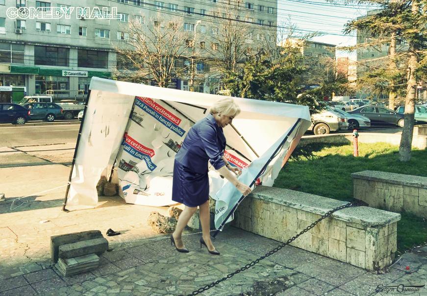 """Amuzant! Dăncilă s-a împiedicat de cortul USR """"Fără Penali în funcţii publice!"""" de la Constanţa!"""