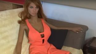 Primul robot sexual făcut în România! Uite ce poate să spună, cu accent moldovenesc!