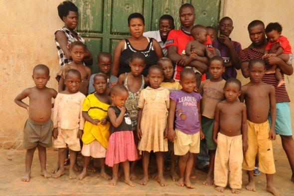 Domnişoara Nabatanzi din Uganda: 25 de copii până la 23 de ani şi 38 de copii până la 37 de ani