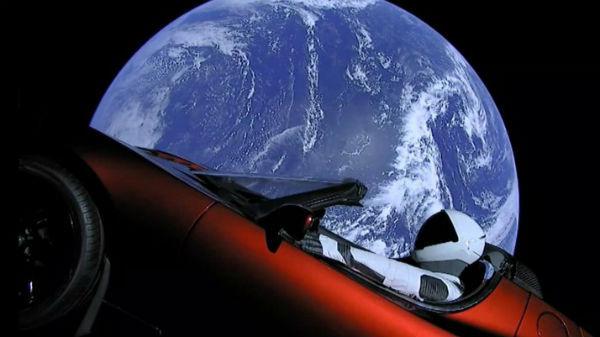 7 chestii pe care le mai poate trimite în spaţiu Elon Musk