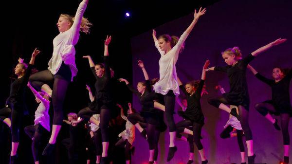 Pe 29 aprilie se sărbătoreşte Ziua Mondială a Dansului