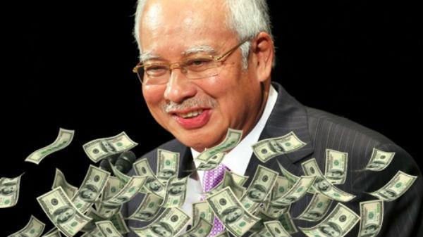 72 de saci cu bijuterii şi bani, confiscaţi din casele fostului premier al Malaeziei