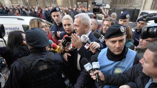 """Liviu Dragnea anunţă ca vrea să mai facă un miting, """"uriaş"""", într-o altă locaţie"""