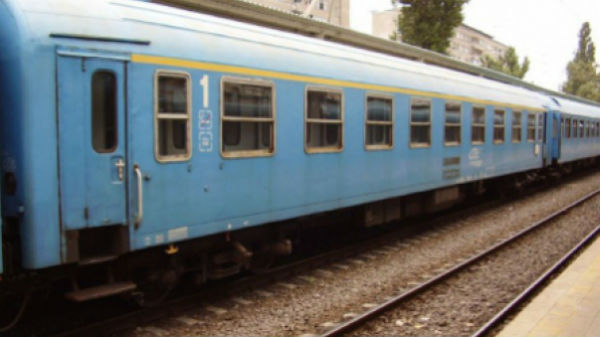 Trenurile au avut întârzieri de peste 3 ore, din cauza copacilor care au căzut pe calea ferată între Braşov şi Predeal
