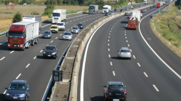 Ministrul Transporturilor, Felix Stroe, promite pentru 2018 finalizarea a 156,7 kilometri de autostradă