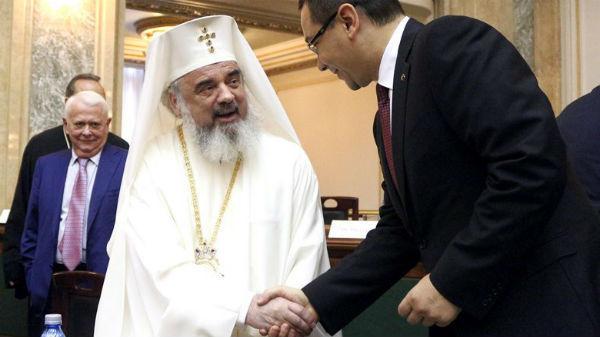 Patriarhia interzice spectacolele în biserici