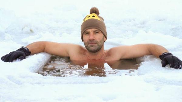 Tiberiu Uşeriu a câştigat pentru a treia oară Maratonul Arctic Ultra 6633. N-o să-ţi vină să crezi unde s-a antrenat
