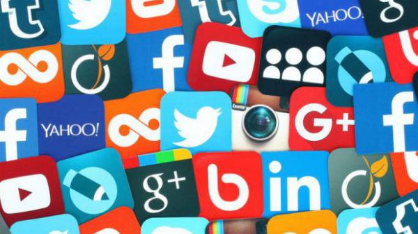 Guvernul american vrea să introducă în cererile de viză obligativitatea ca solicitanţii să declare toate conturile de Social Media