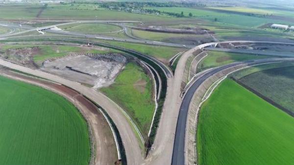 Ministrul Transporturilor nu se ţine de cuvânt.  Loturile 3 şi 4 ale autostrăzii Sebeş-Turda nu vor fi inaugurate în această lună