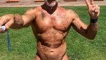 Milionar celebru, rupt în bătaie de bodyguarzi, într-un club de fiţe!