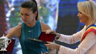 Din culise! Simona Halep n-a vrut să iasă de mână cu Gabriela Firea. Ce s-a întâmplat