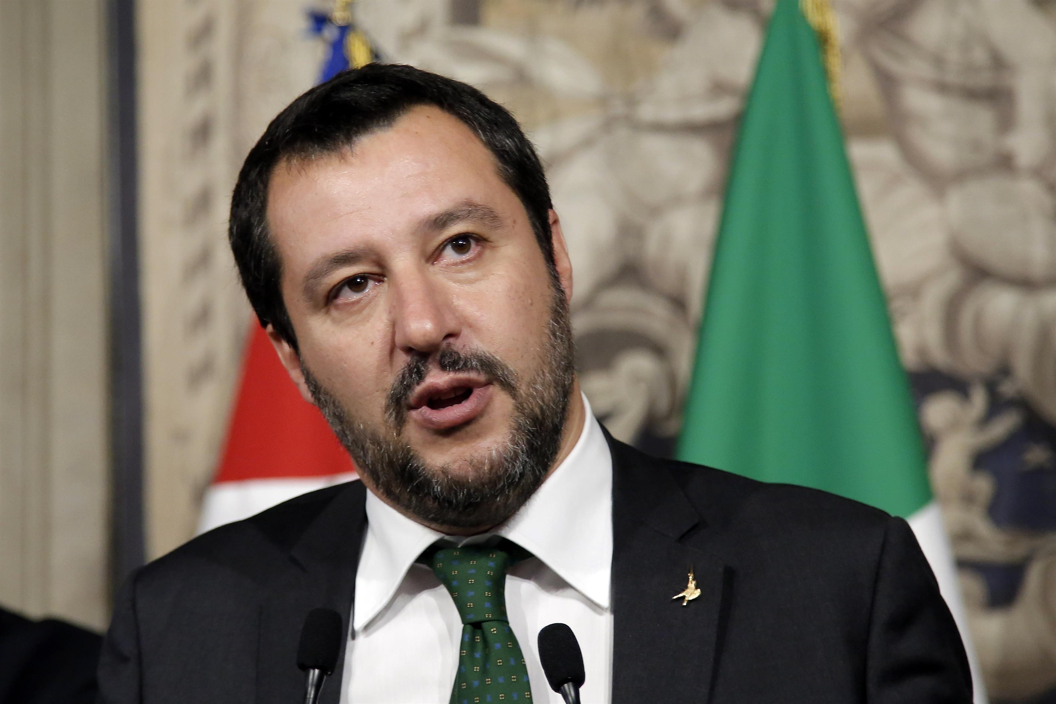Ministrul italian de interne Matteo Salvini a fost declarat persona non grata pe teritoriul unei insule spaniole