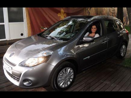 Interviu - Monica Anghel şi Renault Clio Estate
