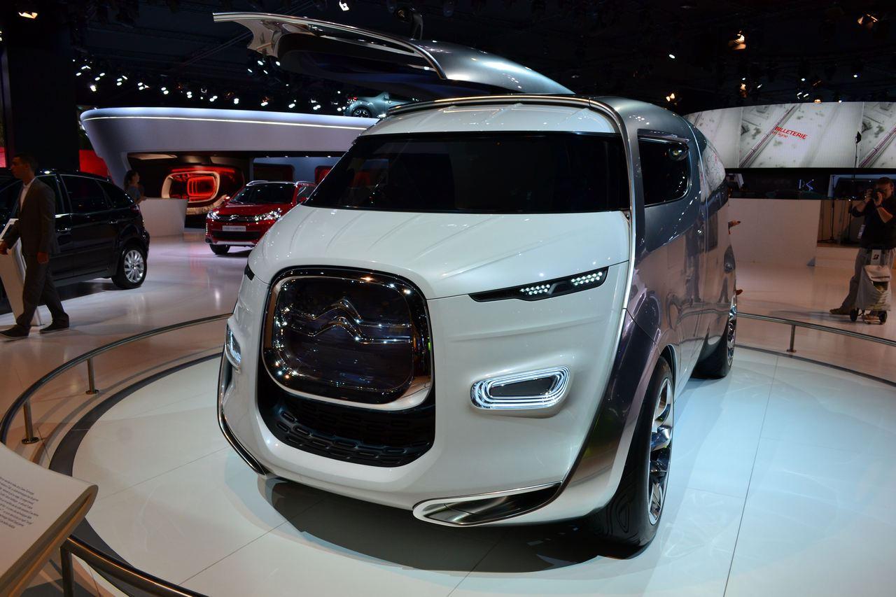 Salonul Auto de la Paris 2012 debutează astăzi cu fast