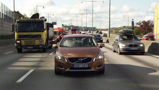 Volvo lucrează la maşina care se conduce singură. VIDEO