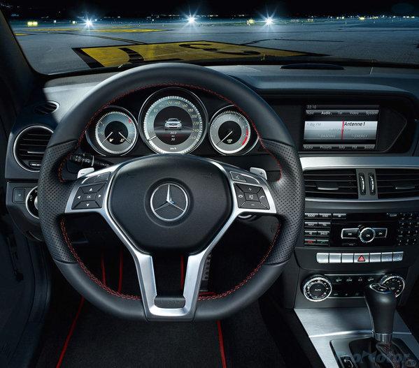 Mercedes-Benz C Class AMG Sports 2013. Interior