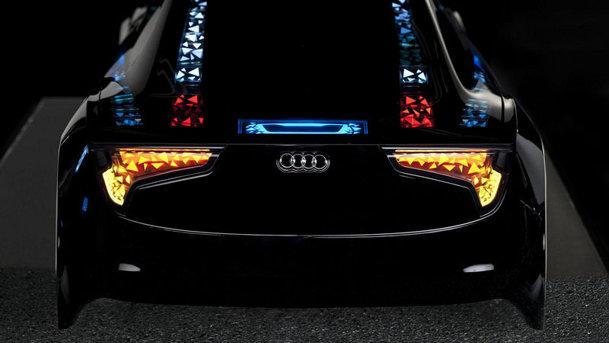 Audi a prezentat maşina care se parchează singură şi stopurile cu lasere