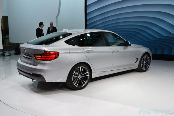 BMW Seria 3 GT spate lateral