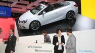 Imagini cu standul Opel de la Salonul Auto de la Geneva